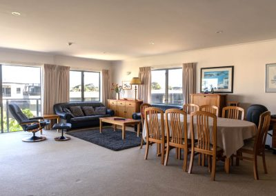 The Reef   2 Bedroom Executive Apartment   Main Lounge & Dining Area