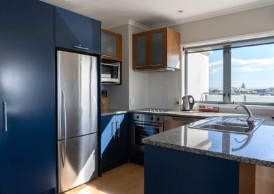 The Reef   2 Bedroom Seaview Apartment   Full Kitchen